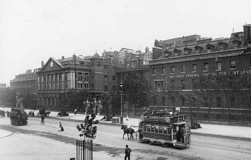Королевская лондонская больница и Башенные часы