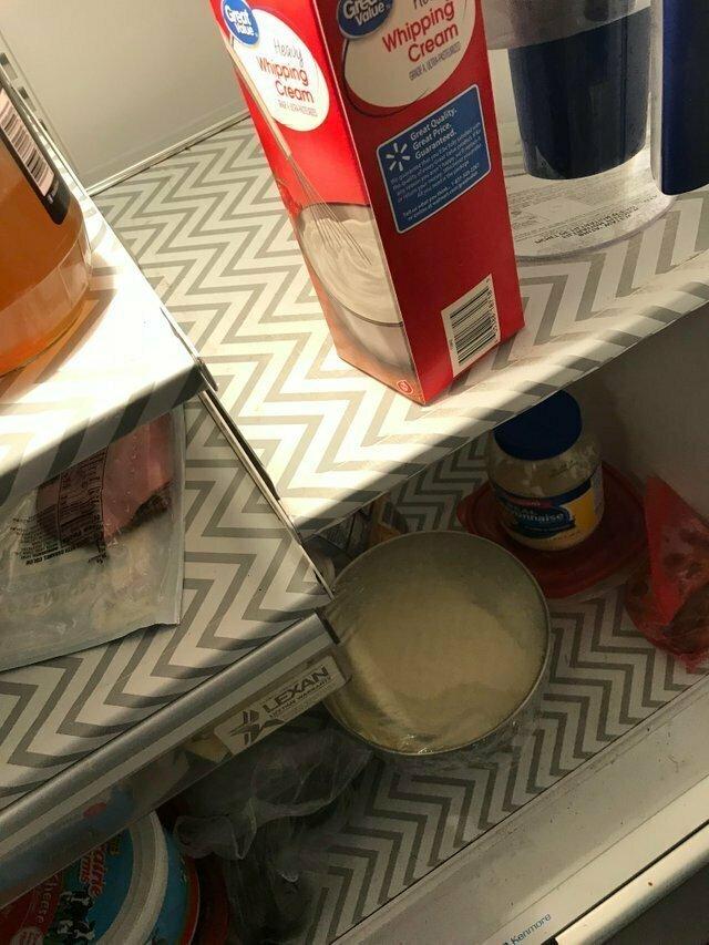 Для тех, кто не любит мыть полки холодильника