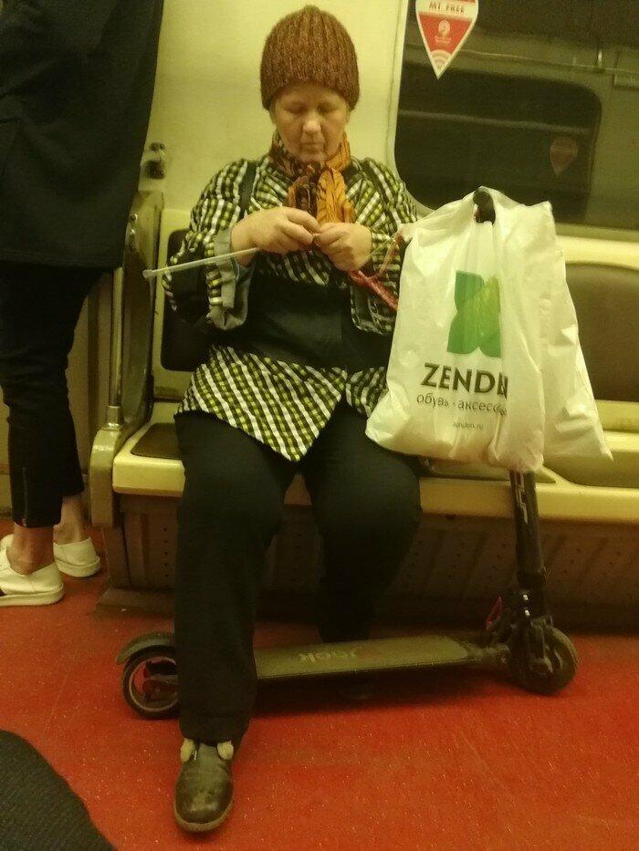 А их страсть к вязанию - она стоит многого бабушка, возраст, жизнь, пенсионер, пенсия, прикол, старость, юмор