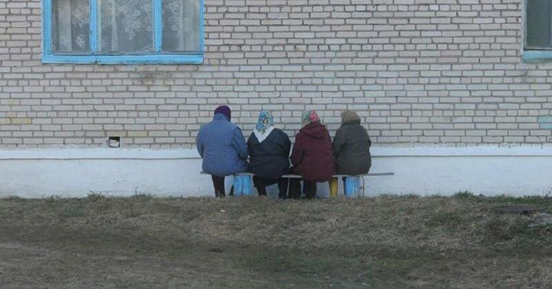 Бабушки всегда идут против системы бабушка, возраст, жизнь, пенсионер, пенсия, прикол, старость, юмор