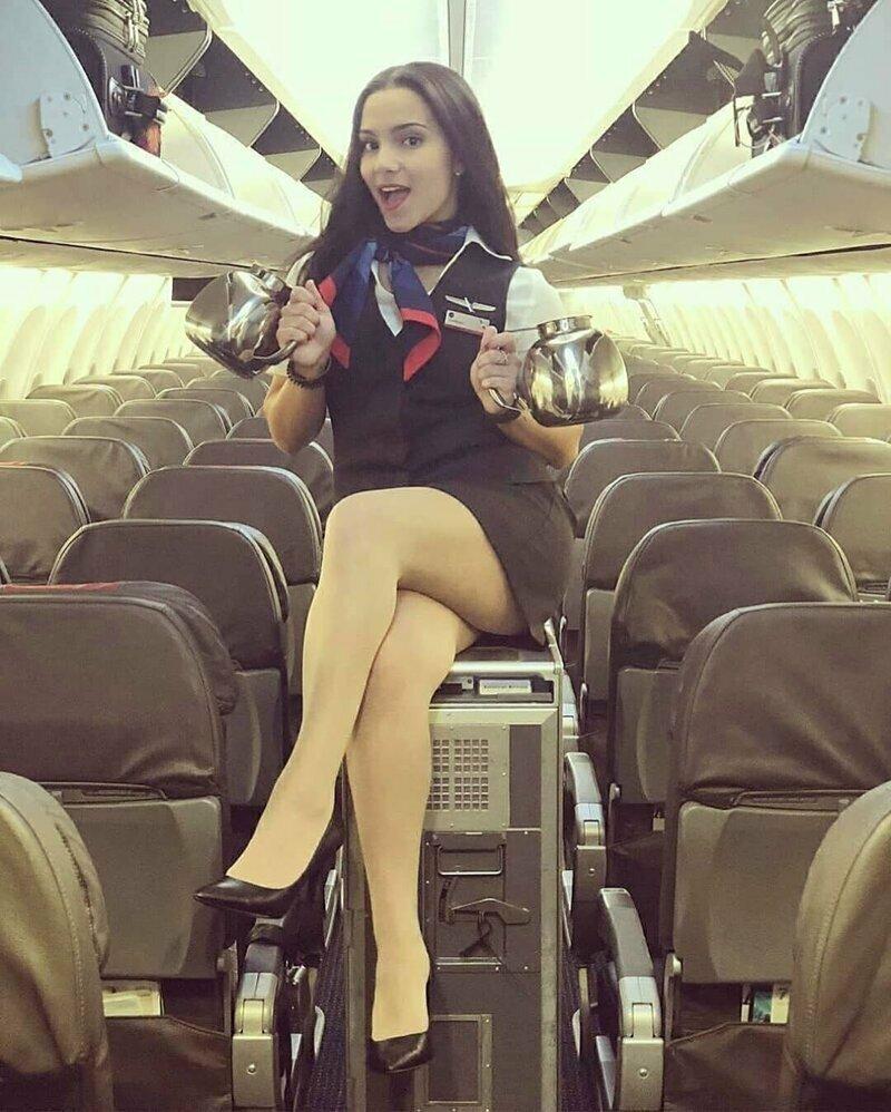 Многим она очень к лицу: строгие юбки, пиджаки и платки на шее авиаперелеты, девушки, красиво, полеты, самолет, стюардесса, стюарт, фото
