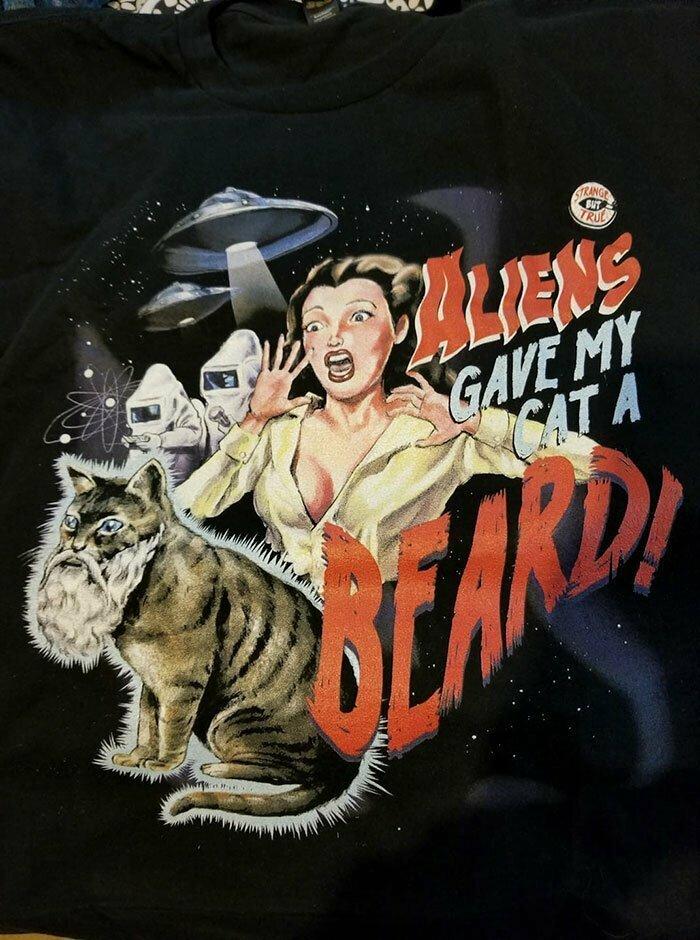 """""""Инопланетяне прирастили моему коту бороду!"""" Прекрасная футболка для любителей пинапа"""
