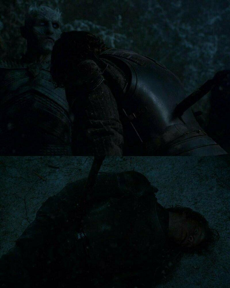 Копье, поразившее Теона перемещается по его телу