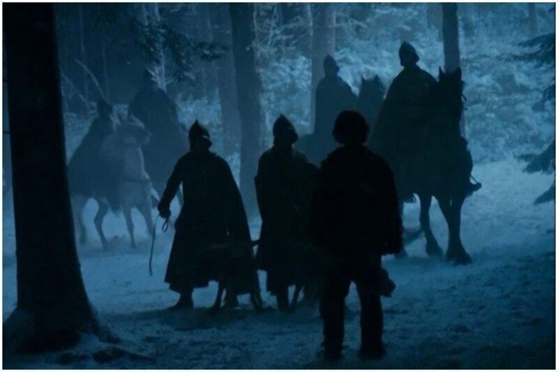 В сцене погони за Сансой и Теоном присутствовали гончие псы, которые шли по следу беглецов. Но после того как их спасла Бриенна - псы исчезли, как не бывало