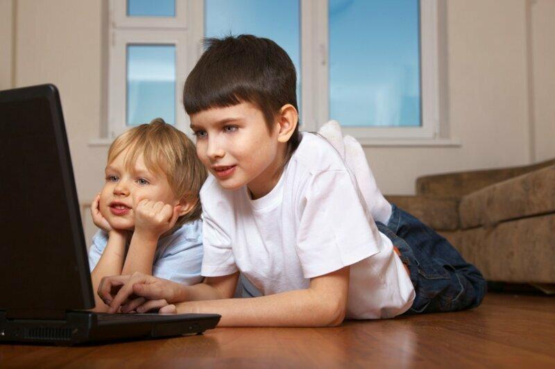 Если ваш ребенок целыми днями пропадает в гостях у друга, - самое время поинтересоваться у родителей друга, действительно ли они там и чем занимаются. Вас могут поджидать сюрпризы