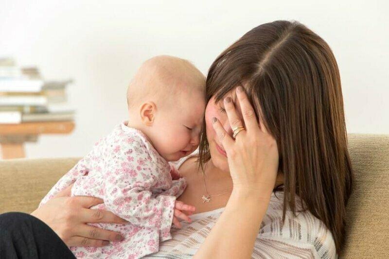 Ваш малыш будет спокойно спать, пока вы готовите себе поесть, но заплачет сразу же, как только вы сядете за еду