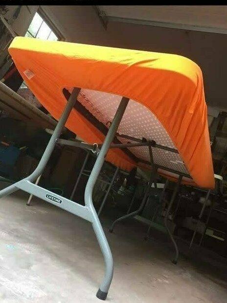 Клеенки и бумажные скатерти от ветра постоянно слетают со стола для пикника? Используйте в качестве скатерти простыню на резинке - она точно никуда не денется!
