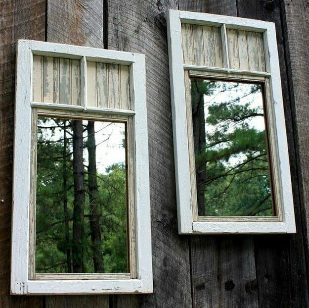 Повесьте зеркала на внутреннюю сторону забора, и ваш участок будет казаться больше.