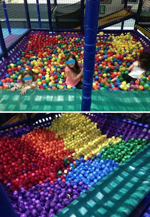 """""""Детям было так скучно, что они разобрали шарики в бассейне по цветам"""""""