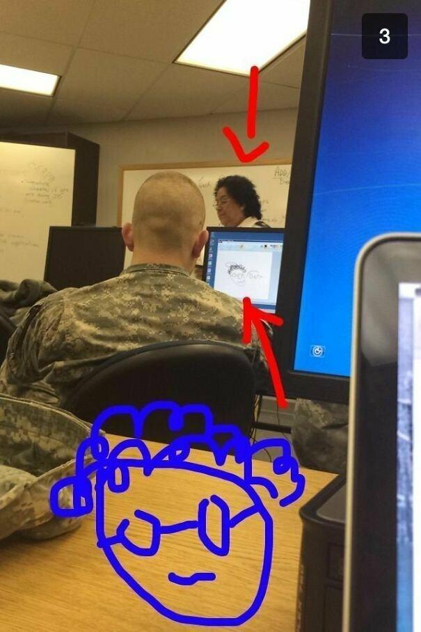 """""""Кажется, этому парню очень скучно на уроке"""""""