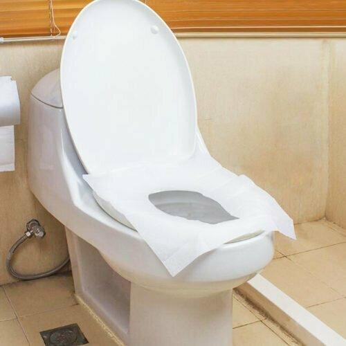 """""""Поход в общественный туалет - это настоящее испытание. Всегда кладу много бумаги на крышку унитаза прежде, чем сесть"""""""