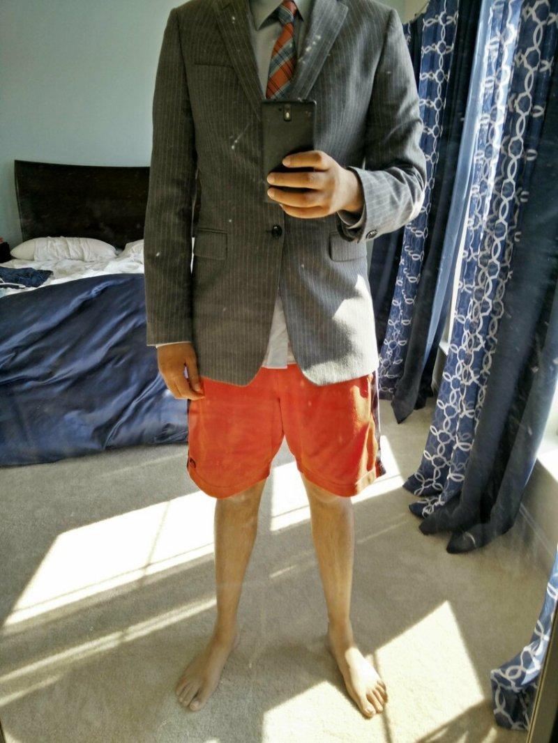 Пиджак и шорты - тренд прикол, работа, работа онлайн, собеседование, собеседование по скайпу, фото, юмор