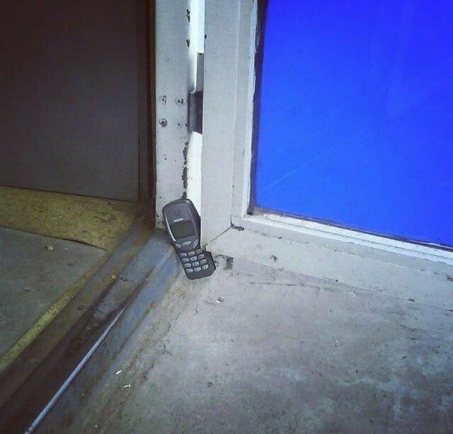 Этот телефон еще вечность прослужит