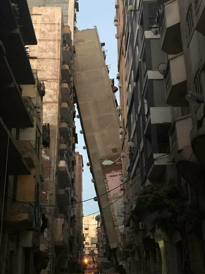 Здание в Египте на грани падения (2017 год)