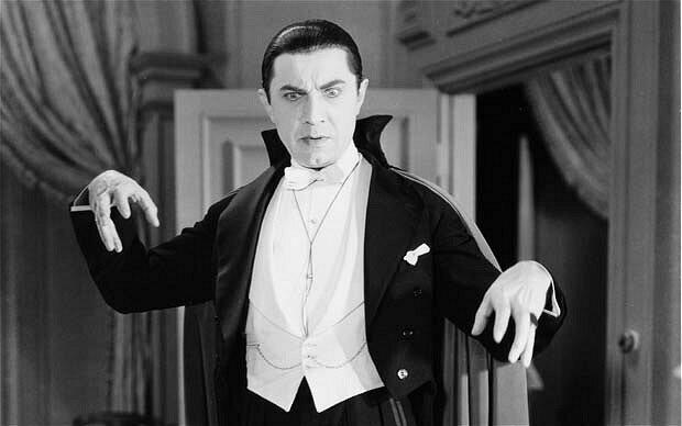 Самый известный исполнитель роли графа Дракулы в кино, Бела Лугоши, завещал похоронить себя в костюме и гриме знаменитого вампира актёры, голливуд, звёзды, кембербэтч, кино, уиллис, факты