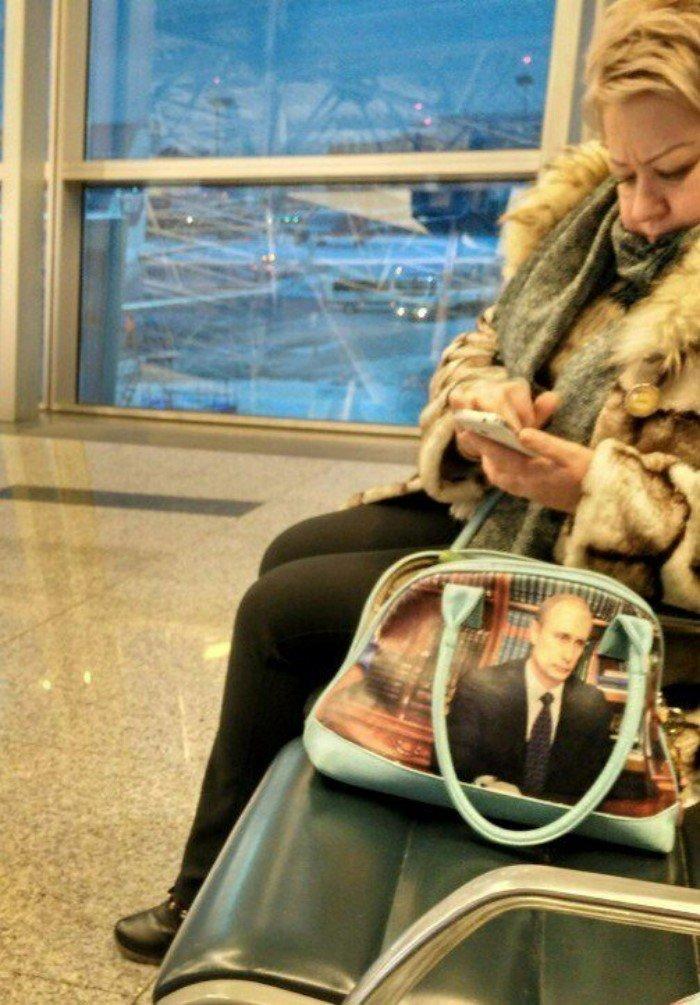 Выбор сумочки очевиден