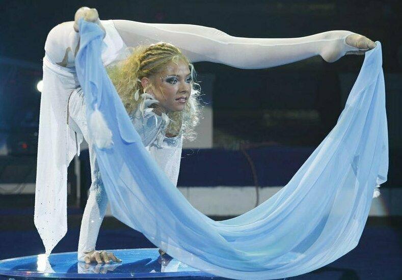 Ефремкина Мария Москва, Россия .В настоящее время выступает в Цирке на Цветном бульваре гибкость. гимнастки, женщина-каучук, интересное, надо же такое