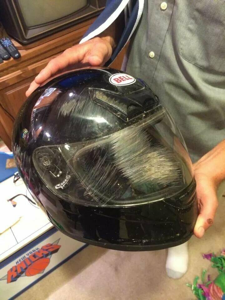 Только идиоты не носят шлемы!
