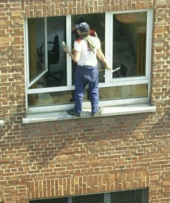 Мойщик-спайдермен монтажники, подборка, прикол, сантехника, техника безопасности, электрика, юмор