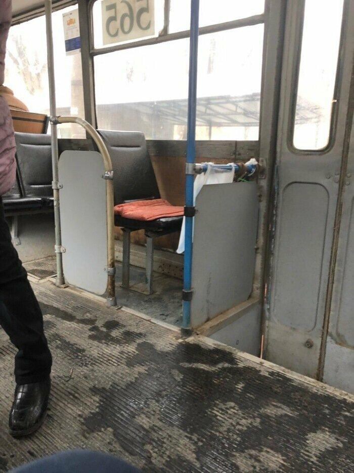Когда у тебя есть свой троллейбус и свой железный трон автобус, маршрутка, общественный транспорт, прикол, юмор