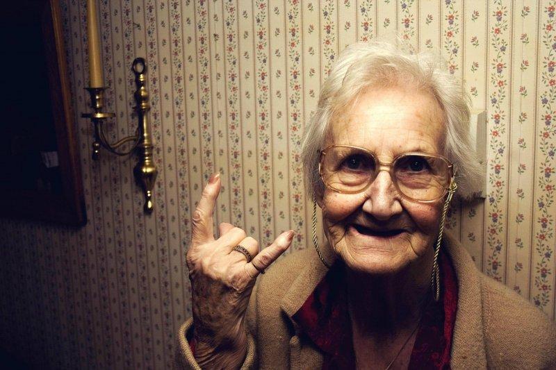 В 70 лет все только начинается возраст, новые свершения, позитив, смех, старость. бабульки, юмор