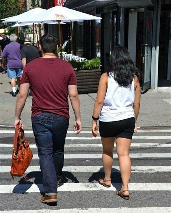 Женская сумочка - атрибут всех подкаблучников