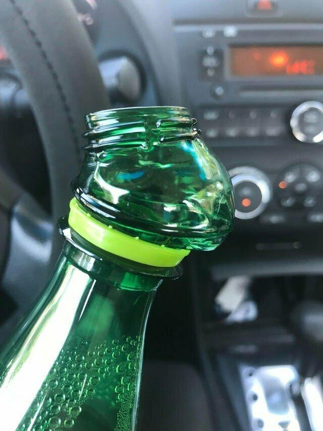 """""""Моя бутылка расплавилась от жары, я пил газировку с привкусом пластика"""" не повезло, неудача, неудачи, неудачники, прикол, провал, фото"""