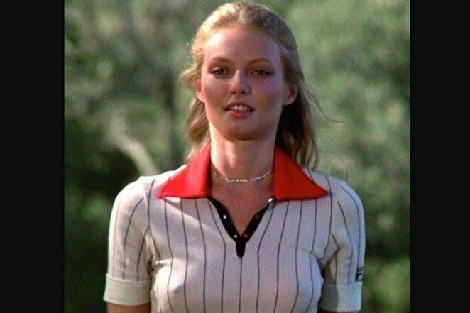 """Синди Морган в сцене из комедийного фильма """"Гольф-клуб"""", 1980 г. 20 век, звезды, знаменитости, знаменитости в молодости, известные, известные люди, известные люди в молодости, старые фотографии"""