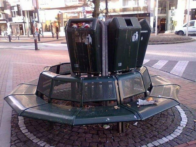 В Бельгии хотели сэкономить пространство и сделать скамейки более функциональными