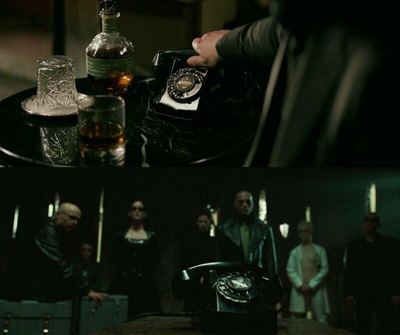 """В фильме """"Джон Уик 2"""" используется такой же телефон как в фильме """"Матрица"""" забавно, интересное, кино, киноляпы, пасхалки, факт"""
