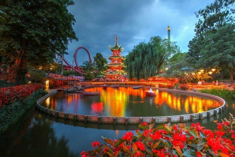 8. Tivoli Gardens, Копенгаген, Дания - 4,9 млн посетителей