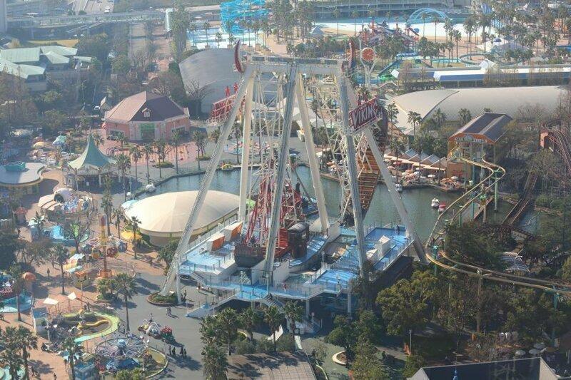 Кроме Диснейленда в мире есть еще множество других популярных парков развлечений!