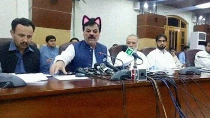 Пакистанские чиновники опростоволосились во время прямой трансляции