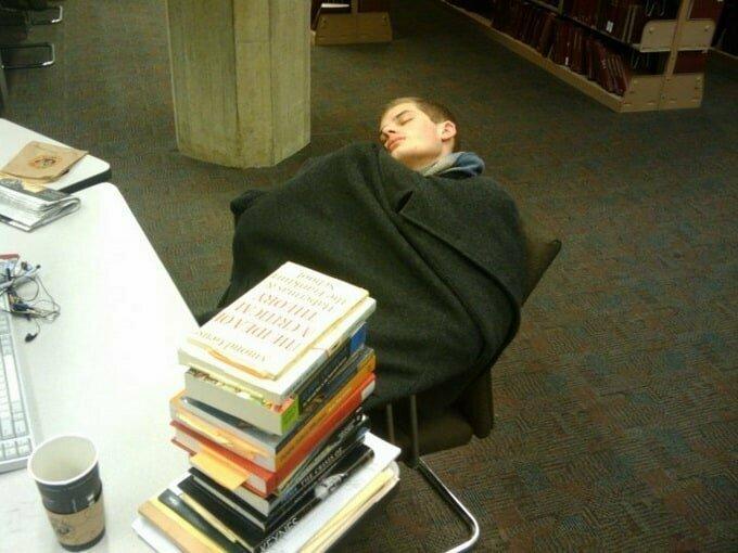 Странные происшествия в библиотеках и кто за ними стоит