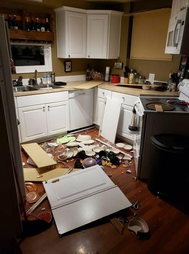Кухонные шкафчики не всегда так прочны, как кажется