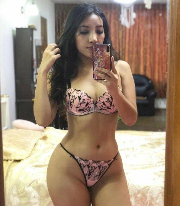 Выложила фото в бикини - лишилась лицензии врача