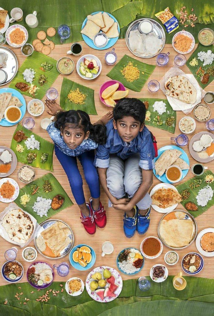 Таркиш Сри Ганеш, 10 лет, и Миерра Сри варрша, 10 лет, Куала-Лумпур, Малайзия