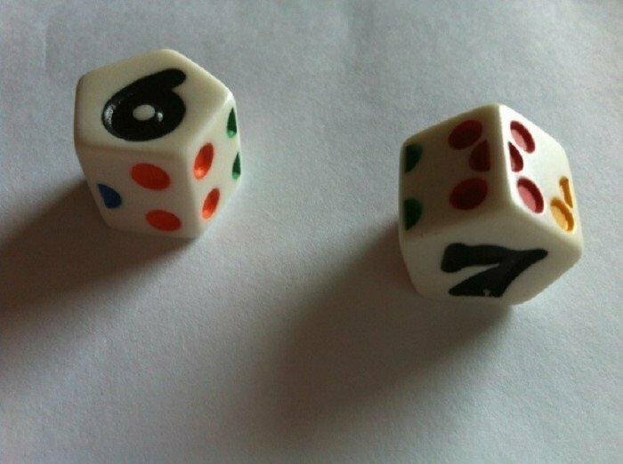 Сумма чисел на противоположных гранях игральных костей равна семи интересно, факты, фото