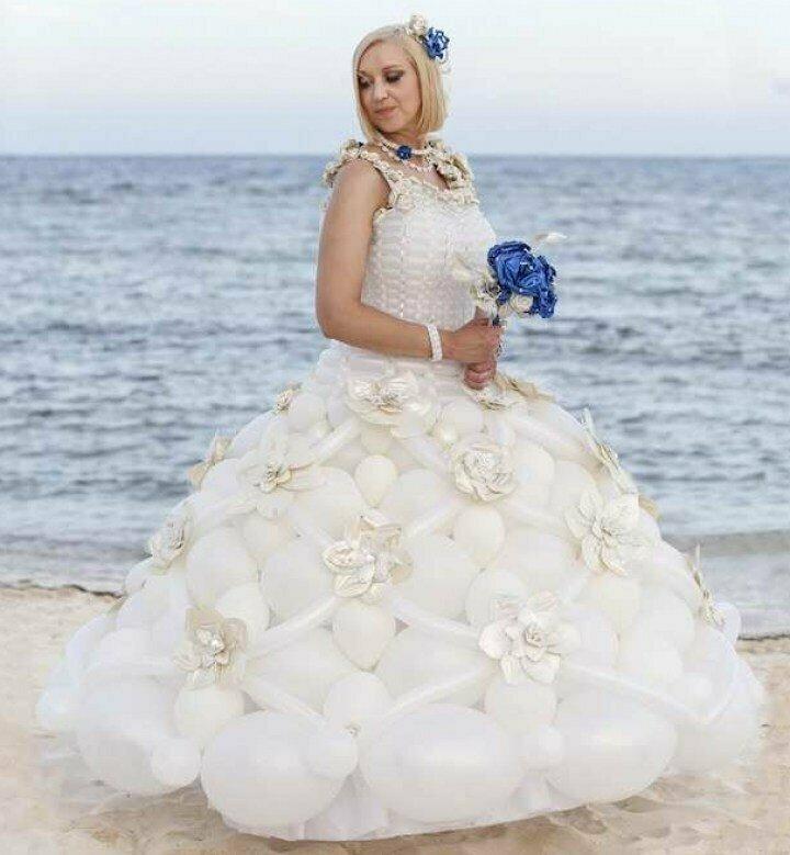 Оригинальный свадебный наряд, который точно не решатся повторить воздушные шарики, карнавал, костюмы, крутость, смелость, смешно