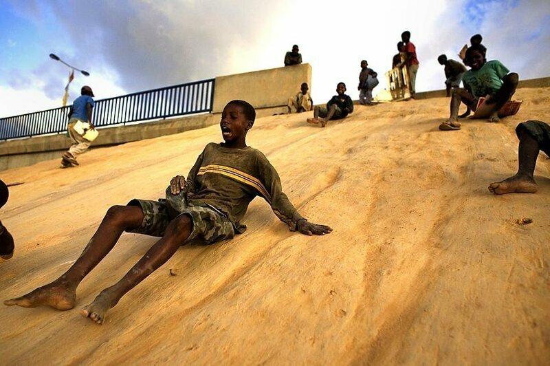 Снежные горки в Африке африка, национальные особенности, подборка, прикол, чёрный континент, юмор