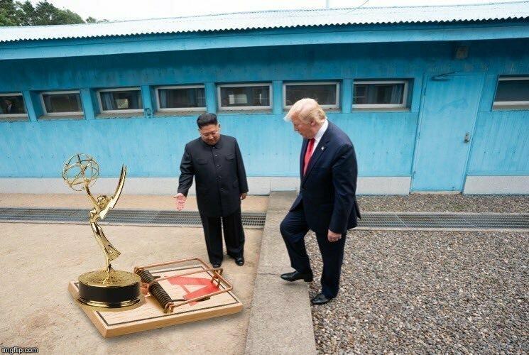 Недавняя встреча Трампа с Ким Чен Ыном обросла толстым слоем фотожаб