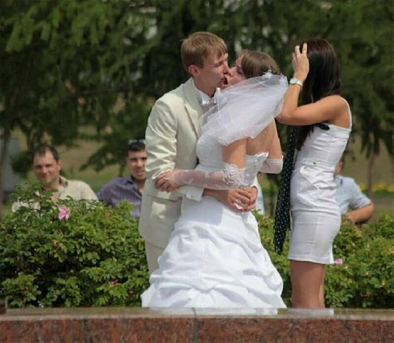 Свадебное фото 6 июля, забавное, подборка, поцелуи, поцелуй, прикол