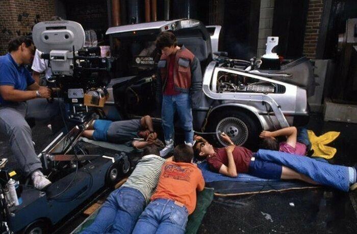Назад в будущее II, 1989 голливуд, за кулисами, кино, киномир, на съемочной площадке, секреты кинематографа, съемки, технические уловки