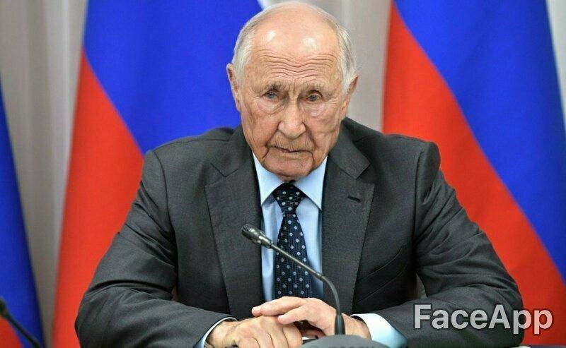А Владимир Владимирович выглядит очень уставшим. Так ещё бы, столько страной править...