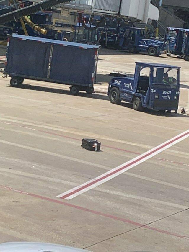 Кто-то останется без багажа лузеры, неудачники, победитель по жизни, прикол, смешно, фейл, фото