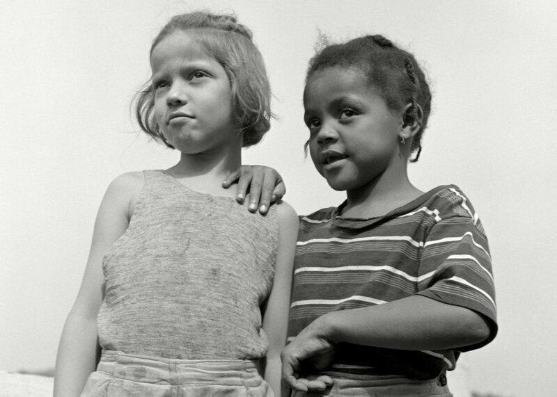 Подружки. Лагерь Крисмас Силз в Хейверстро, Нью-Йорк, 1943 г.