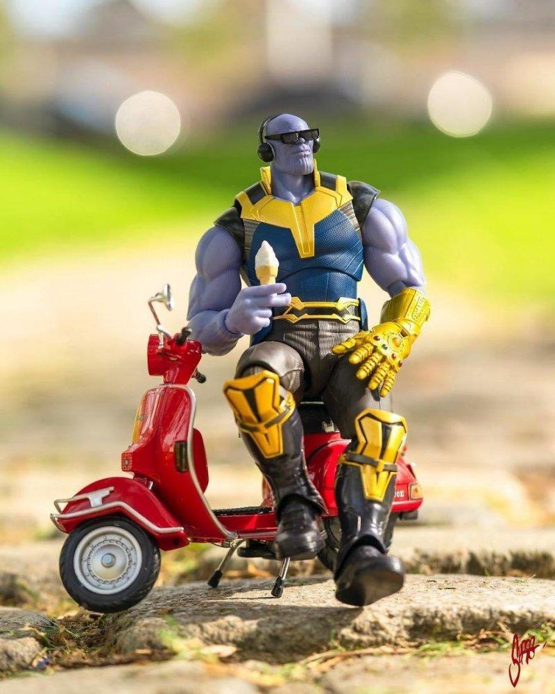 Танос, релакс! жизнь, и грушки, прикол, супергерой, фотограф, эди харджо, юмор