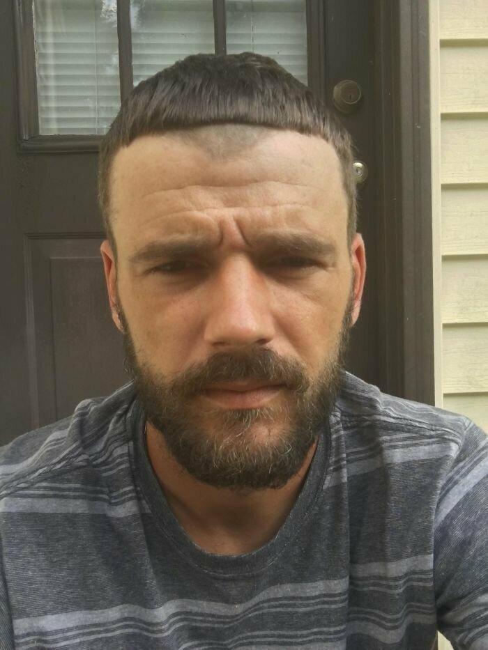 """""""Попросил у парикмахера сделать мне челку покороче. Проблемы белых парней в парикмахерской для черных"""""""