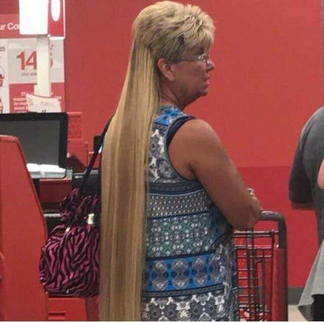 Сразу видно, что наращивал волосы профессионал