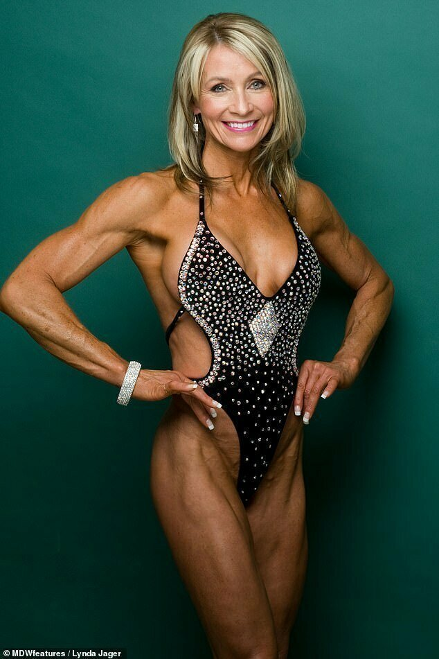 Линда часто слышит от мужчин, что у нее бицепсы больше, чем у них